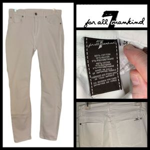 7 For All Mankind White Skinny Jeans. Size 28